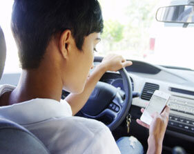 Distracted driving car accidents lawyers Syracuse NY